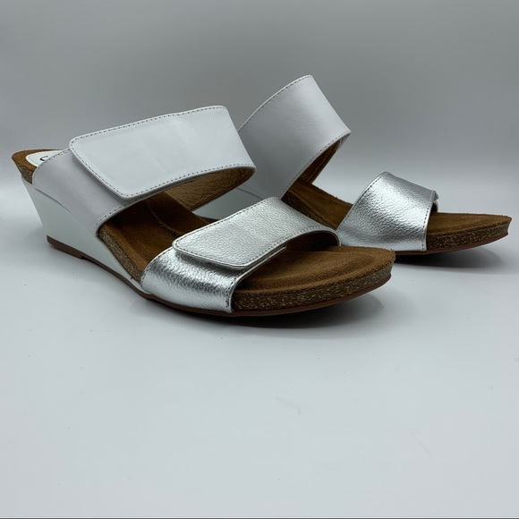 Sofft Vangie Wedge Sandals Silver & White Size 10